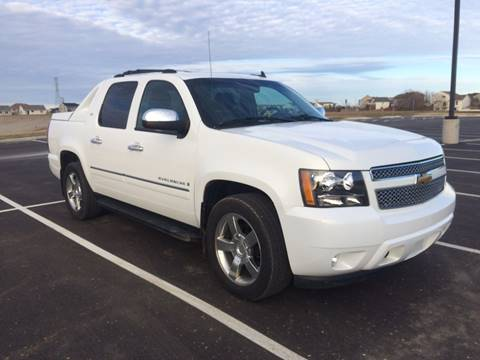 2009 Chevrolet Avalanche for sale at RUS Auto LLC in Shakopee MN