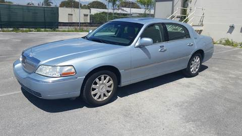 2007 Lincoln Town Car for sale in Lake Worth, FL
