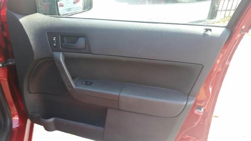 2009 Ford Focus SE 4dr Sedan - Lake Worth FL