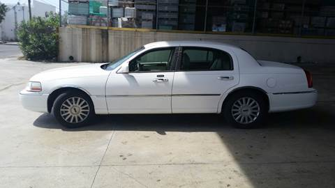 2005 Lincoln Town Car for sale in Lake Worth, FL
