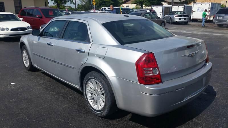 2010 Chrysler 300 Touring 4dr Sedan - Lake Worth FL