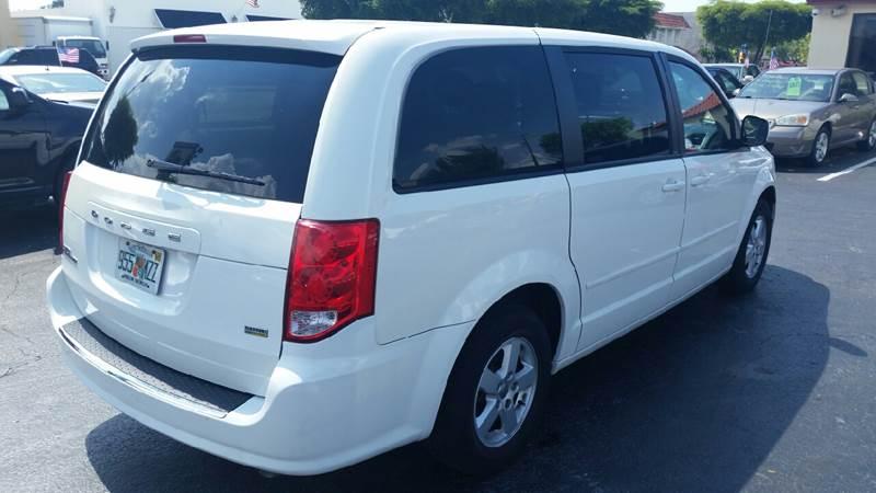 2013 Dodge Grand Caravan SXT 4dr Mini-Van - Lake Worth FL