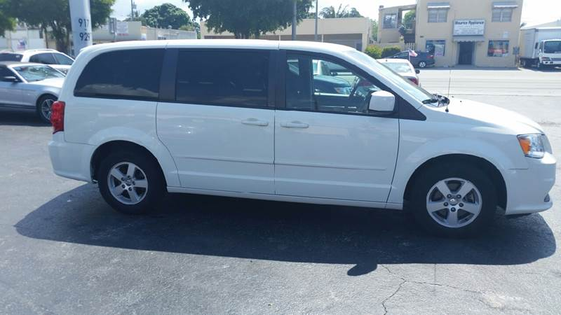 2013 Dodge Grand Caravan SXT 4dr Mini-Van - Lake Worth FL