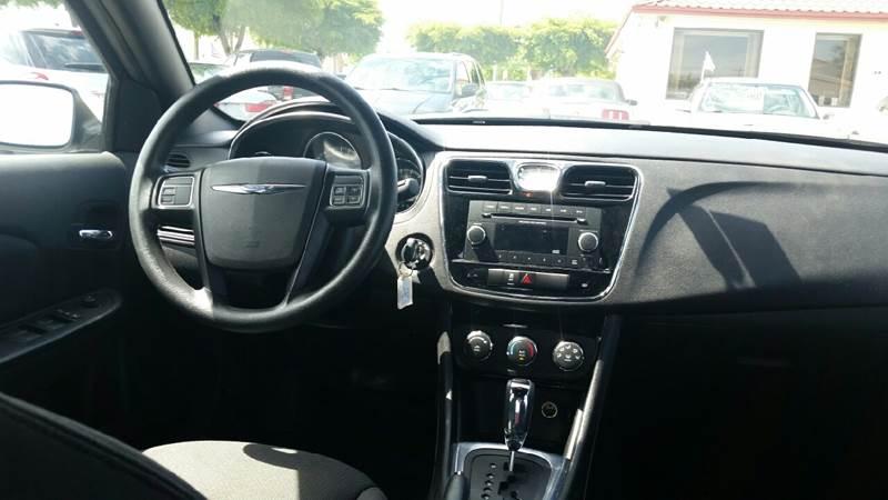 2014 Chrysler 200 LX 4dr Sedan - Lake Worth FL