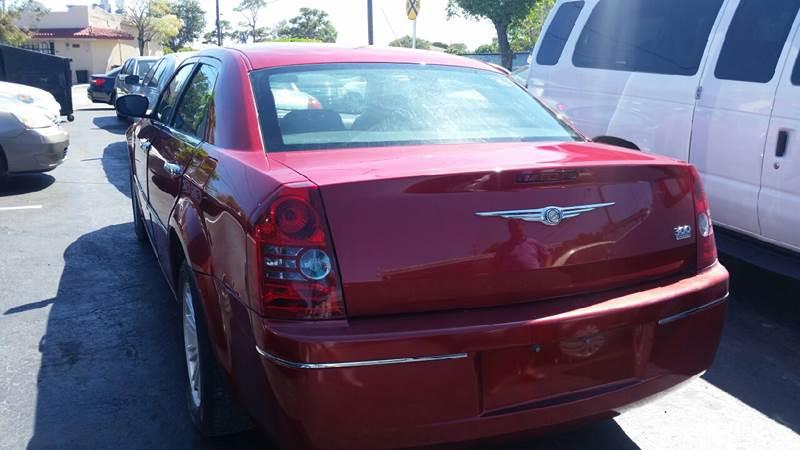 2010 Chrysler 300 Touring 4dr Sedan w/23E - Lake Worth FL
