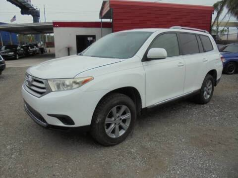 2013 Toyota Highlander for sale at Automax Wholesale Group LLC in Tampa FL