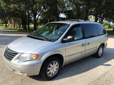 2005 Chrysler Town and Country for sale in Tampa, FL