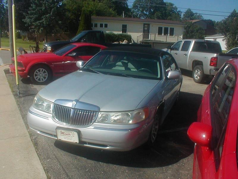 2002 Lincoln Town Car Signature 4dr Sedan In Shullsburg Wi Miner