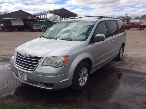 2008 Chrysler Town and Country for sale in Cairo, NE