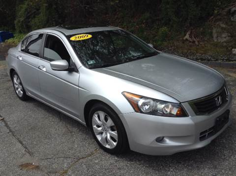 2009 Honda Accord for sale at DISTINCTIVE MOTOR CARS UNLIMITED in Johnston RI