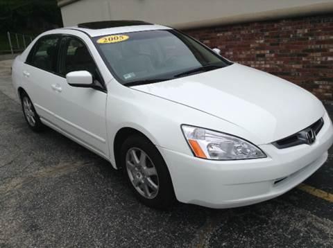 2005 Honda Accord for sale at DISTINCTIVE MOTOR CARS UNLIMITED in Johnston RI