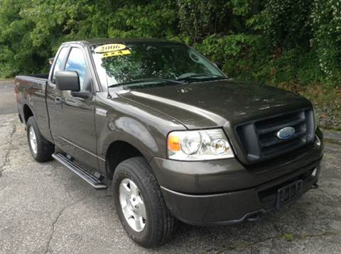 2006 Ford F-150 for sale at DISTINCTIVE MOTOR CARS UNLIMITED in Johnston RI