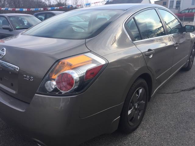 2008 Nissan Altima for sale at DISTINCTIVE MOTOR CARS UNLIMITED in Johnston RI