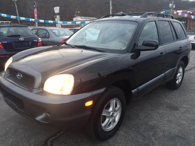 2004 Hyundai Santa Fe for sale at DISTINCTIVE MOTOR CARS UNLIMITED in Johnston RI
