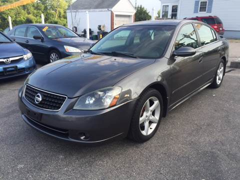 2006 Nissan Altima for sale at DISTINCTIVE MOTOR CARS UNLIMITED in Johnston RI