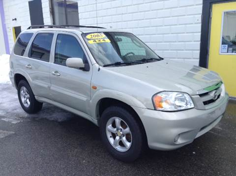 2005 Mazda Tribute for sale at DISTINCTIVE MOTOR CARS UNLIMITED in Johnston RI