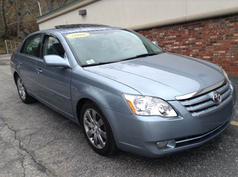 2006 Toyota Avalon for sale at DISTINCTIVE MOTOR CARS UNLIMITED in Johnston RI