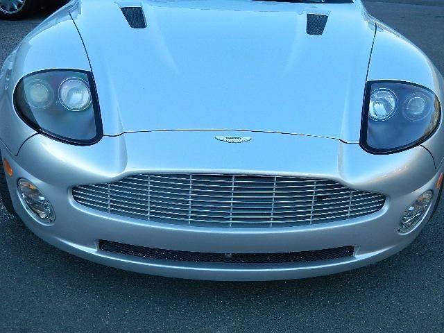 2004 Aston Martin V12 Vanquish 2dr Coupe - Durham NC