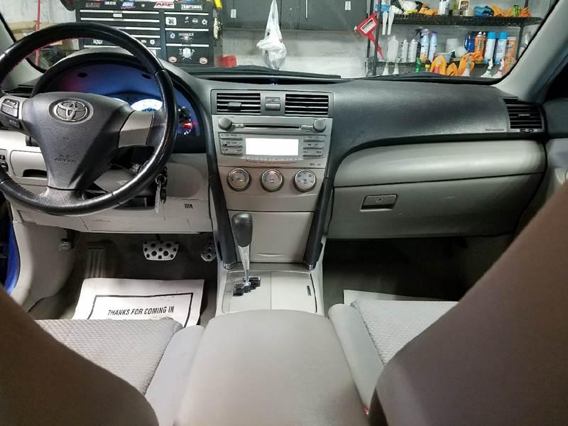 2011 Toyota Camry SE 4dr Sedan 6A - Dilworth MN