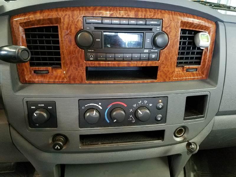 2006 Dodge Ram Pickup 1500 SLT 4dr Quad Cab 4WD SB - Dilworth MN