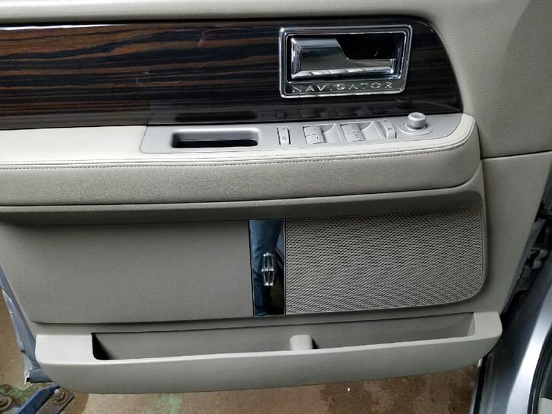 2010 Lincoln Navigator 4x4 4dr SUV - Dilworth MN
