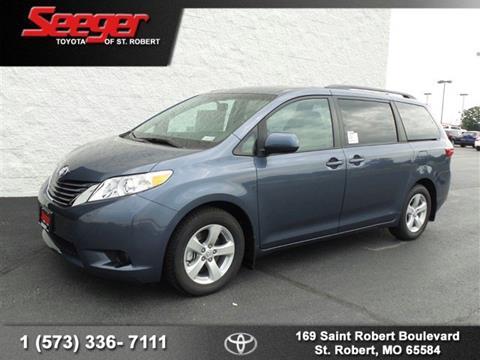 2017 Toyota Sienna for sale in Saint Robert, MO