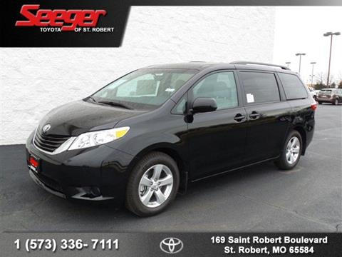 2017 Toyota Sienna for sale in Saint Robert, MO