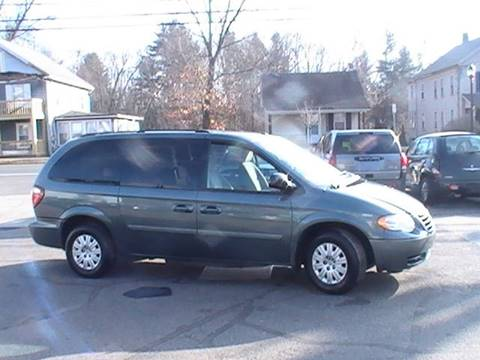 2007 Chrysler Town and Country for sale in Somersville, CT