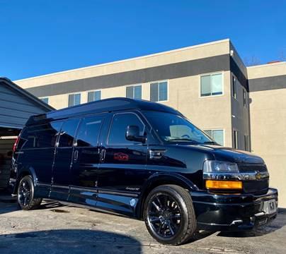 2018 Chevrolet Express Passenger for sale at WOLF'S ELITE AUTOS in Wilmington DE