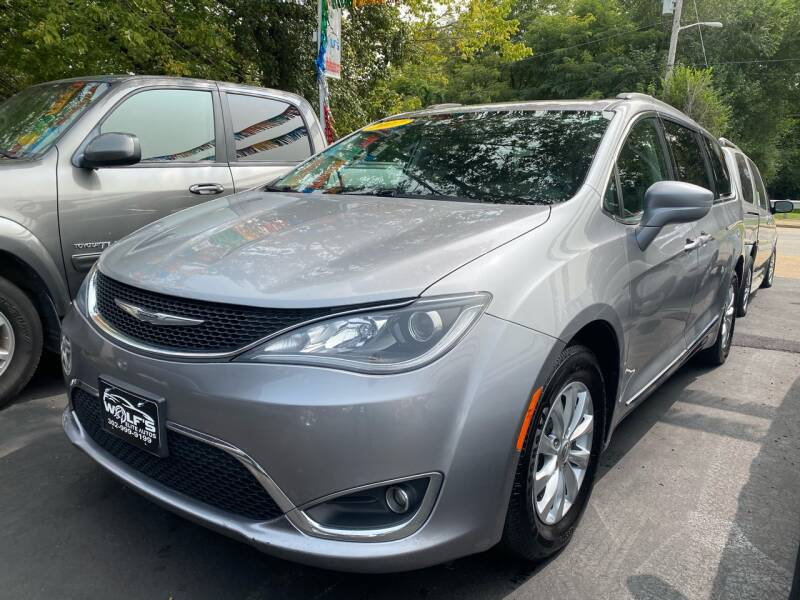 2017 Chrysler Pacifica for sale at WOLF'S ELITE AUTOS in Wilmington DE