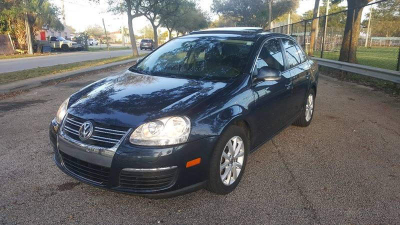 2010 Volkswagen Jetta for sale at UNITED AUTO BROKERS in Hollywood FL