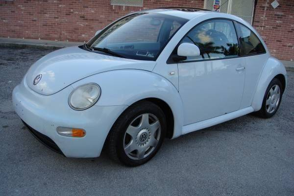 2000 Volkswagen New Beetle for sale at UNITED AUTO BROKERS in Hollywood FL