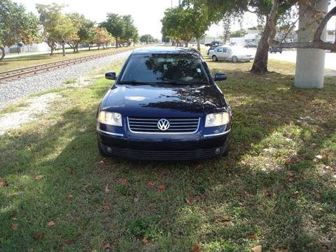 2003 Volkswagen Passat for sale at UNITED AUTO BROKERS in Hollywood FL