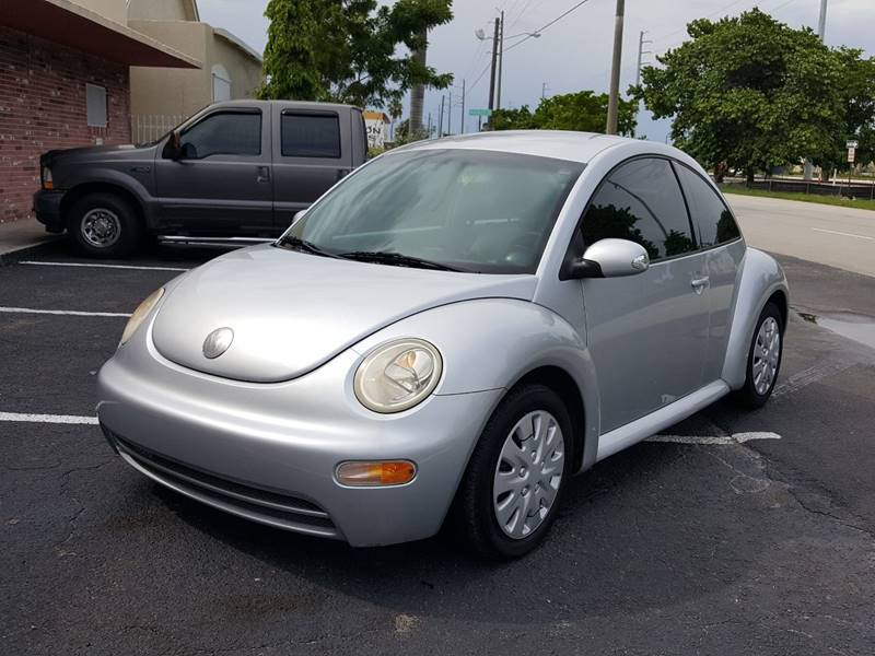 2004 Volkswagen New Beetle for sale at UNITED AUTO BROKERS in Hollywood FL
