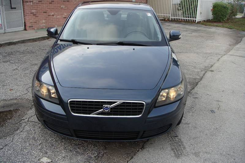 2005 Volvo S40 for sale at UNITED AUTO BROKERS in Hollywood FL