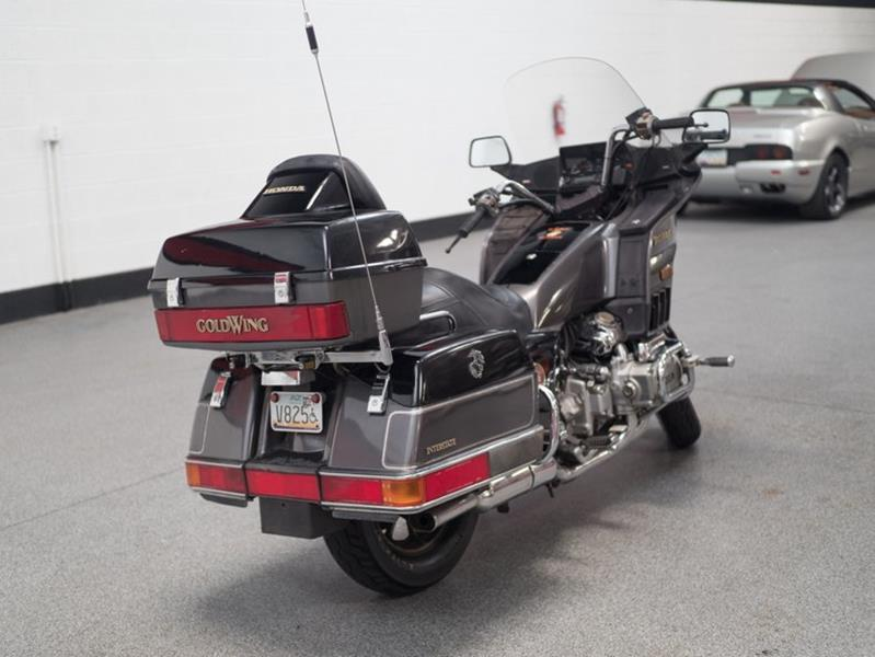 1987 Honda Goldwing (image 13)