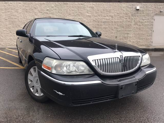 2005 Lincoln Town Car Signature L 4dr Sedan In West Pittsburg Pa