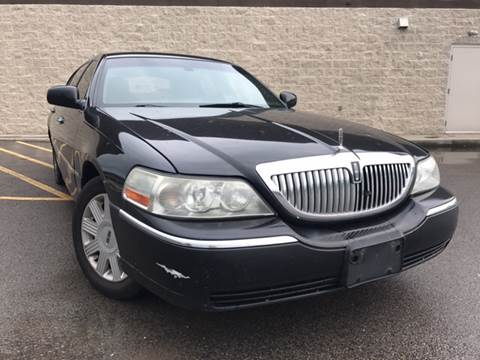 2005 Lincoln Town Car for sale at Trocci's Auto Sales in West Pittsburg PA