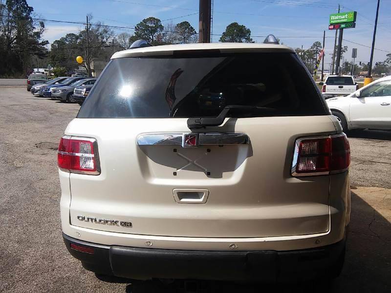 2009 Saturn Outlook XR 4dr SUV - Ocean Springs MS