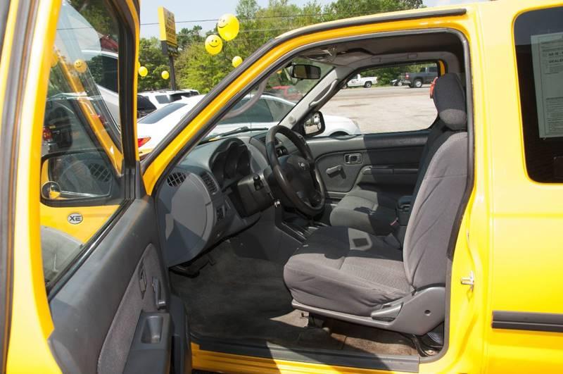 2002 Nissan Frontier 2dr King Cab SE-V6 Desert Runner 2WD SB - Ocean Springs MS