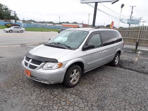 2005 Dodge Grand Caravan for sale in Country Club Hills, IL