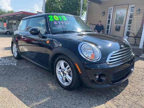 2013 MINI Hardtop for sale at G & G Auto Sales in Steubenville OH