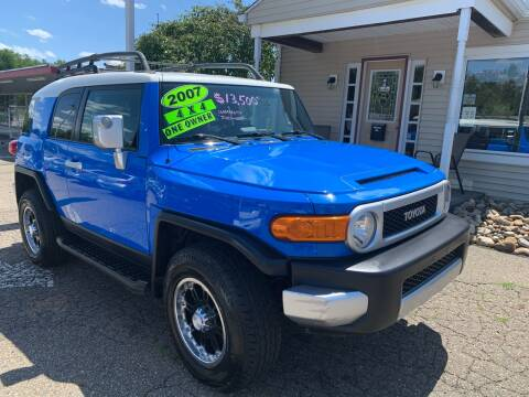 2007 Toyota FJ Cruiser for sale at G & G Auto Sales in Steubenville OH