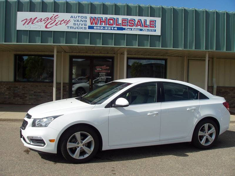 2015 Chevrolet Cruze 2LT Auto 4dr Sedan w/1SH - Minot ND