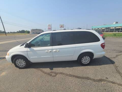 2006 Chrysler Town and Country for sale at HUM MOTORS in Caldwell ID