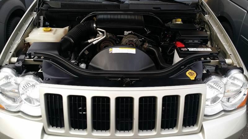 2007 Jeep Grand Cherokee Laredo 4dr SUV 4WD - Saddle Brook NJ