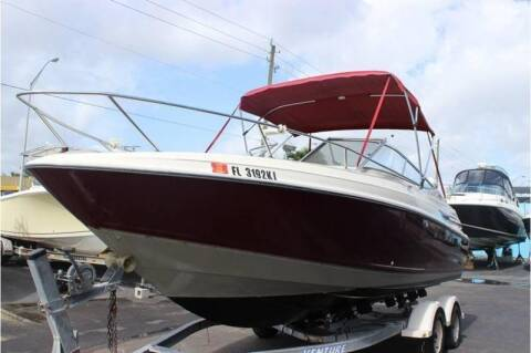 1998 Maxum 2300 SC    Call(561)573-4196 for sale at 1000 Cars Plus Boats - LOT 5 in Miami FL