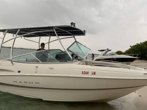 2002 Maxum 23 ft. Bowrider for sale at 1000 Cars Plus Boats - LOT 5 in Miami FL