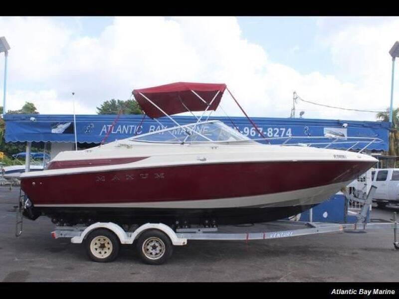 1998 Maxum 2300 SCR   Call(561)573-4196 for sale at 1000 Cars Plus Boats - LOT 5 in Miami FL
