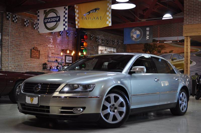 2004 Volkswagen Phaeton for sale at Chicago Cars US in Summit IL